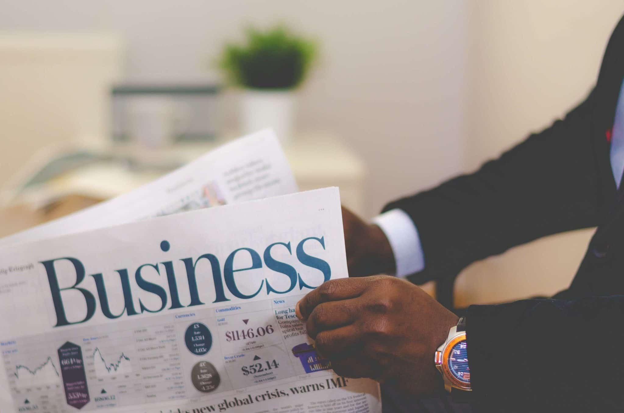 कुछ व्यापारी के व्यवसाय परिसर के बाहर जीएसटी नंबर क्यों लिखा है और यह क्यों